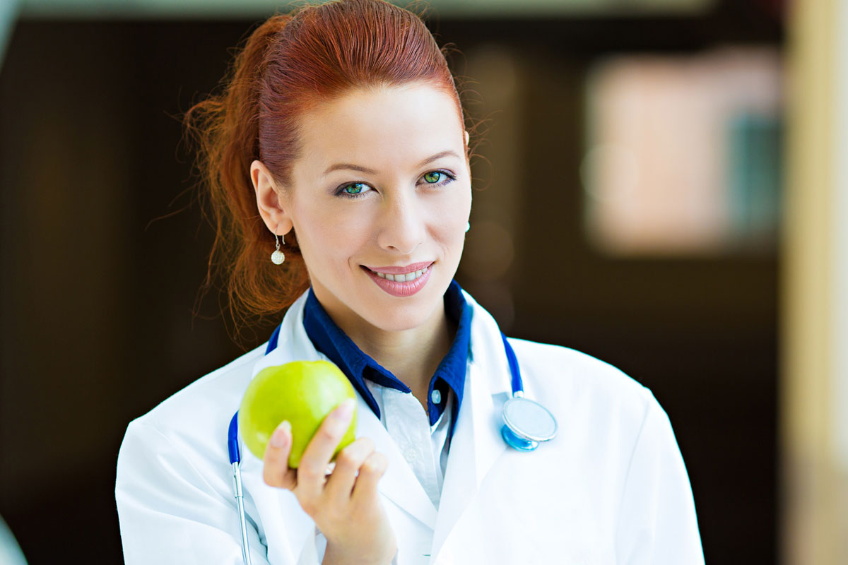 nutrizionista propone servizi diagnostici