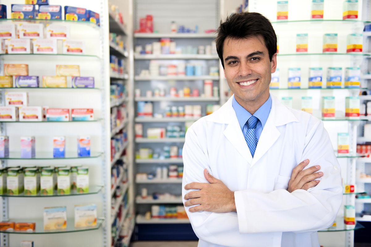 farmacista propone test diagnostici in farmacia